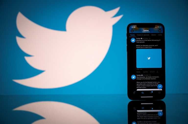 """La Russie annonce """"ralentir"""" le fonctionnement de Twitter, accusé de ne pas supprimer des contenus """"illégaux"""""""