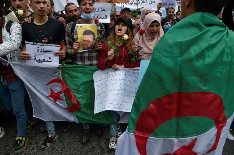 Des étudiants manifestent à Alger, le 30 mars 2021