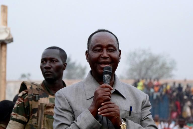 L'ancien président centrafricain François Bozizé (D), lors d'un meeting à Bangui, le 4 novembre 2020