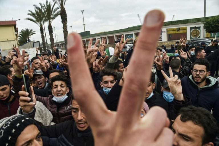 Des étudiants manifestent à Alger contre le pouvoir, le 23 février 2021
