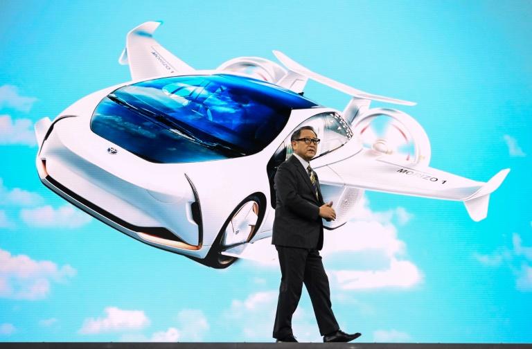 Le patron de Toyota Akio Toyoda, en janvier 2020 au CES de Las Vegas, présente les plans de sa ville connectée