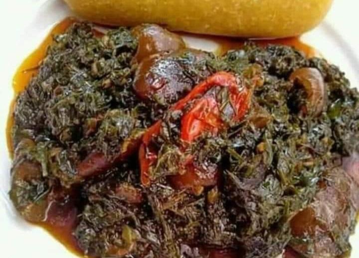 Plat traditionnel des bas-fonds du Cameroun (neh), délicieux!
