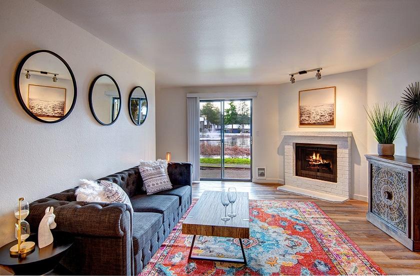 Woodlake Apartments in Kirkland, WA