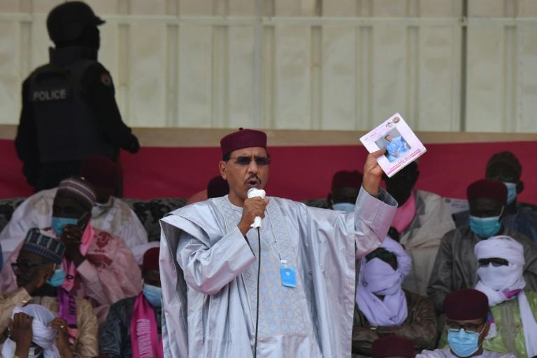 Le candidat à la présidentielle au Niger Mohamed Bazoum, lors d'un meeting électoral, à Diffa, le 23 décembre 2020